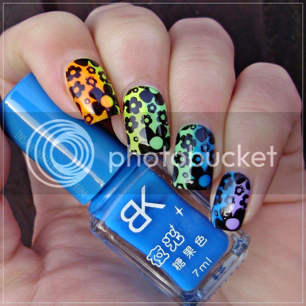 photo matching-manicures-rainbow-4_zpszm46okqr.jpg