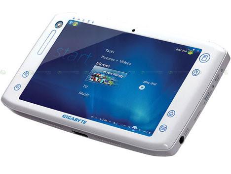gigabyte-m700-468