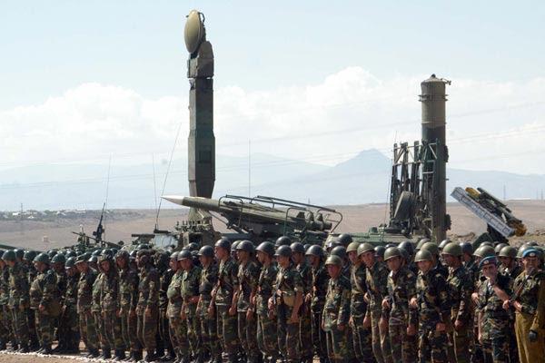 "Diplomatic winter: Armenia, Azerbaijan in ""state of siege"" after Astana summit"