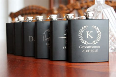 5 Clever Ideas for Groomsmen Gifts   WeddingMix Blog