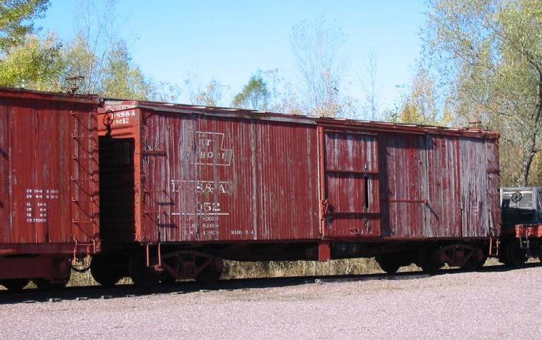 File:Box car DSSA 18052.jpg