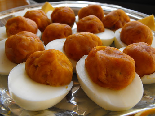 Ovos recehados com farinheira