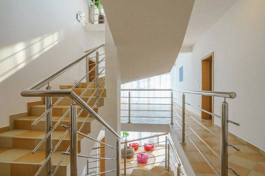 How to Make Your Home Look Stylish with Stainless Steel Balustrade