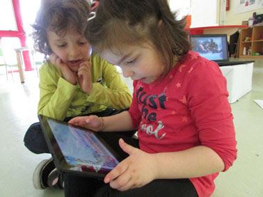 """Bambini, immagini, nuovi media: ecco il manuale per educare i   """"nativi digitali"""", dal primo anno di età. Da Coopselios uno strumento pratico per insegnanti e genitori"""