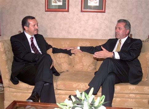 Από παλαιότερη συνάντηση Αβραμόπουλου - Ερντογάν (Φωτογραφία: ΑΠΕ )