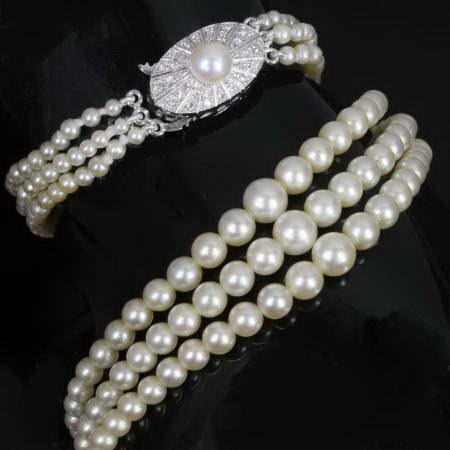 The Antique Jewelry Information Center: Art Deco jewelry, an investment?