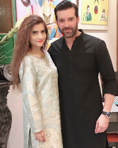 New Awesome Photos of Moammar Rana with his Wife Mehnaz and Daughters Rea Rana and Raneya Rana