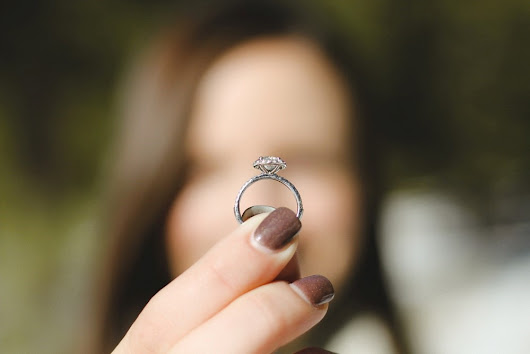 MISTAKES TO AVOID WHEN BUYING DIAMOND RINGS ONLINE - The Glossychic