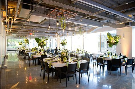 Steph & Frank's Modern City Wedding   Studio Nouveau