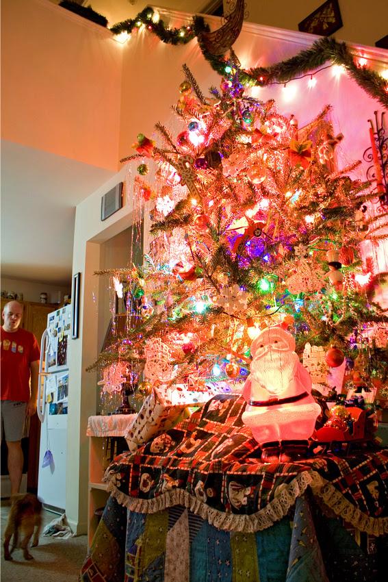 Christmas Tree via foobella.blogspot.com
