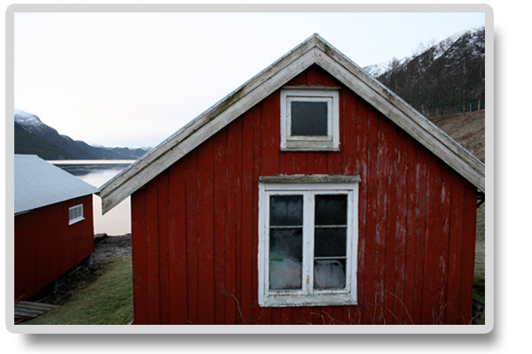 husetiFjorden1