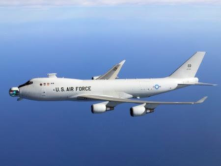 EUA usam laser para destruir míssil em teste