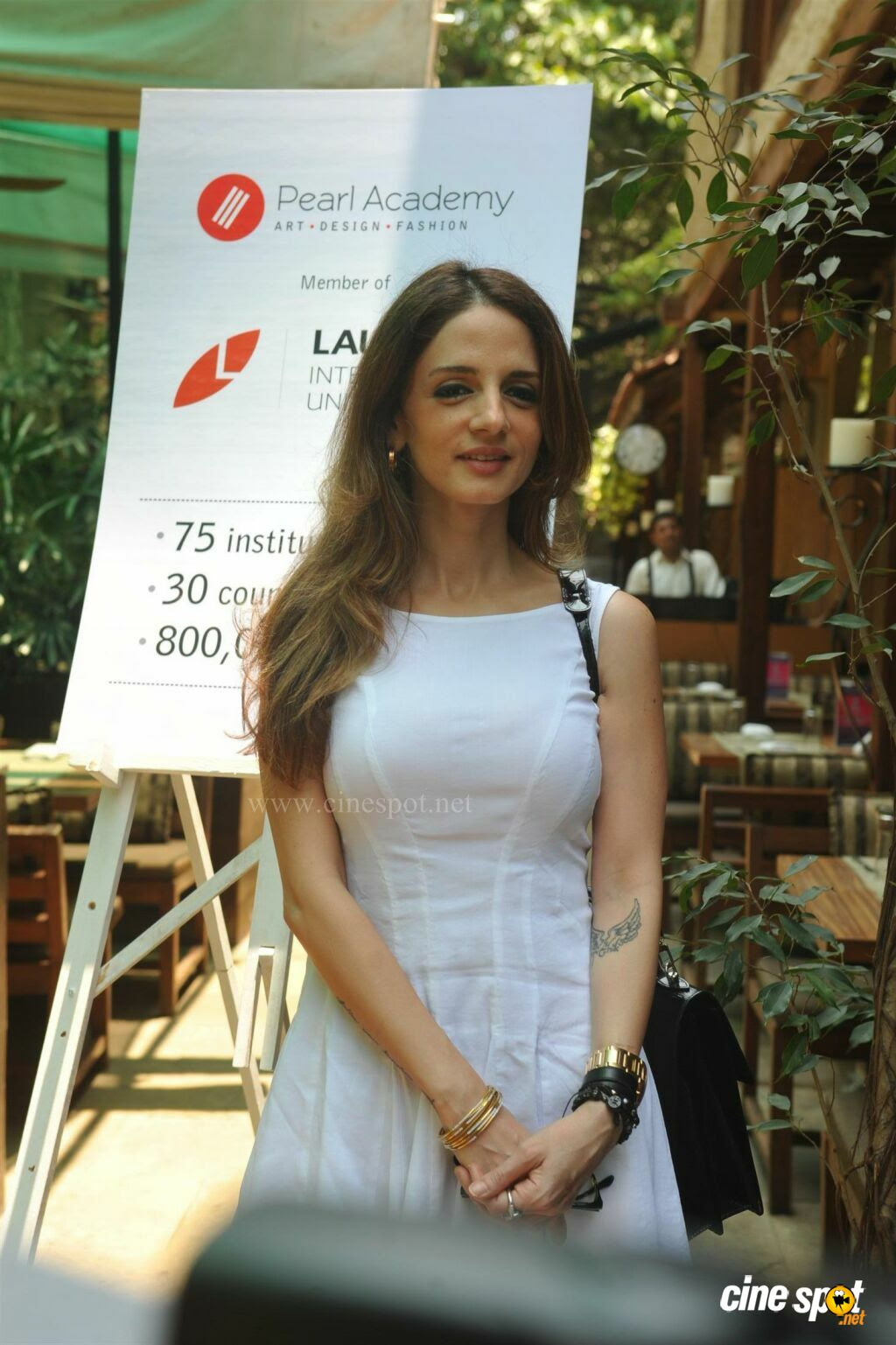 Sussanne Roshan Launch New Campus Of Pearl Academy  (8)