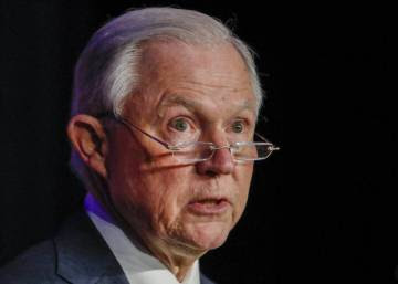 El fiscal general de EE UU se enfrenta a la trama rusa en el Senado