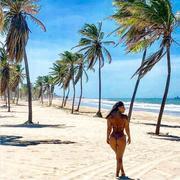 Viviane Araujo sensual nas redes sociais
