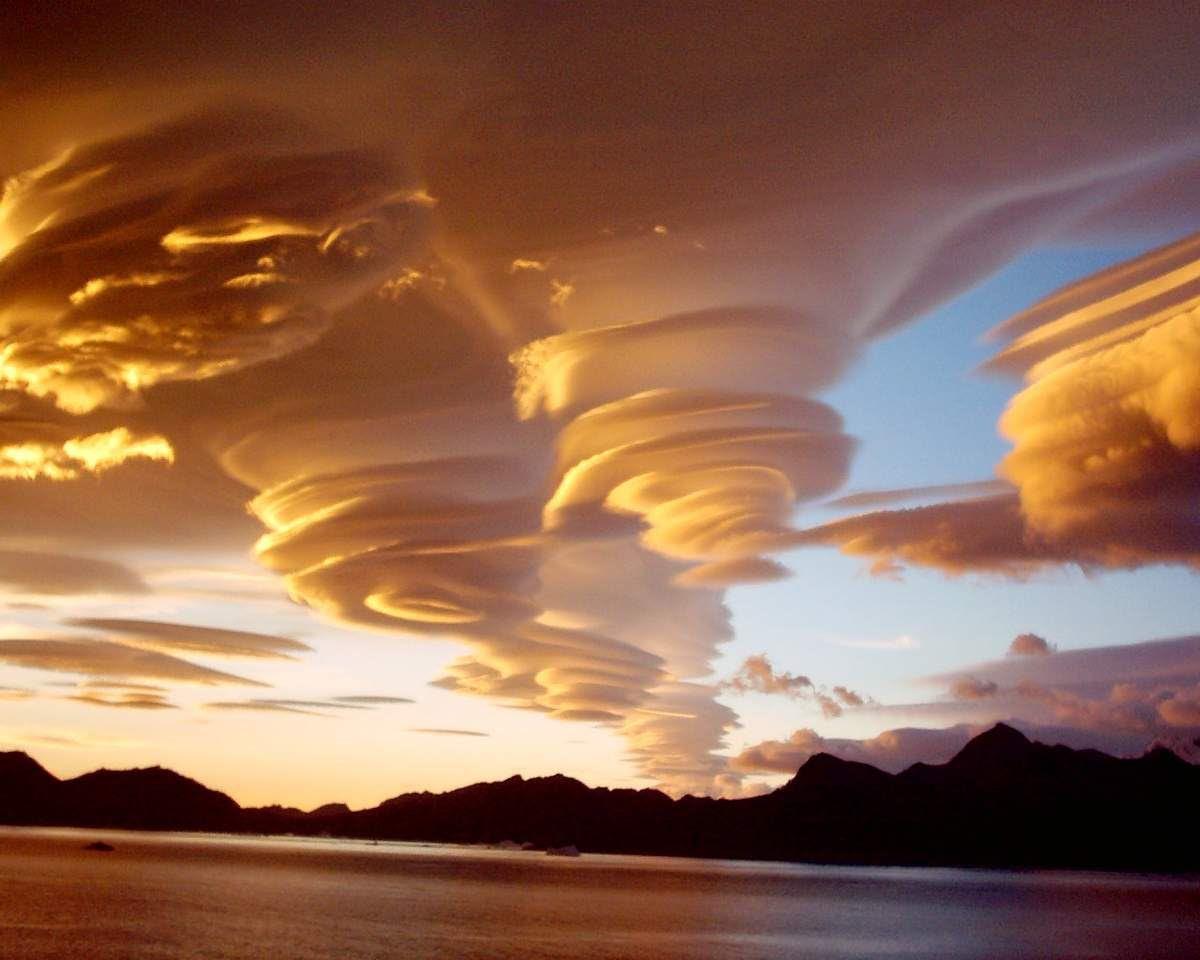 http://img.over-blog-kiwi.com/1/55/41/83/20160610/ob_59d755_nubes-lenticularouvelle-image.jpg