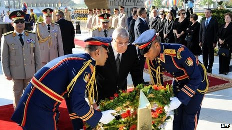 President Mansour lays a wreath as part of events to mark the start of the 1973 war with Israel