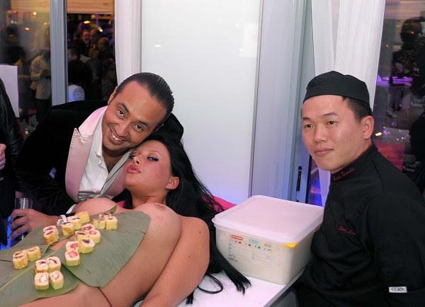 Le Body sushi, service sur une femme nue!