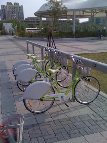 高雄公共腳踏車半日遊 - 01 捷運凹子底站