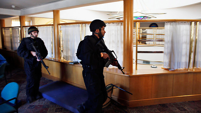 Security forces inside the synagogue (Photo: Reuters)