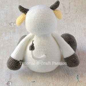 Burenka hook.  Knit amigurumi toy (12) (300x300, 73Kb)
