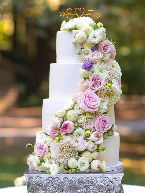 How To Put Flowers On A Wedding Cake   Wedding Ideas
