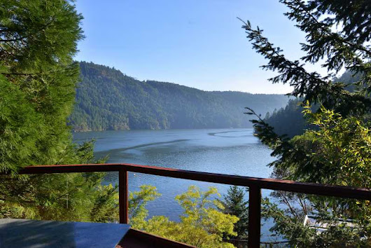 Morningside Glass House - Amazing 4 Bedroom West Coast View Home