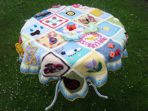 I love this Blanket, Squares are gorgeous!