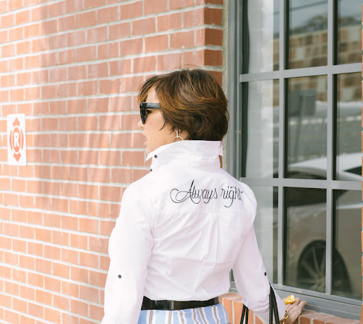 How to look great with a ruffled striped skirt and a white button down - Mi Camisa Blanca