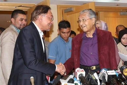 Kali ini Mahathir beri laluan Anwar PM ke 9?