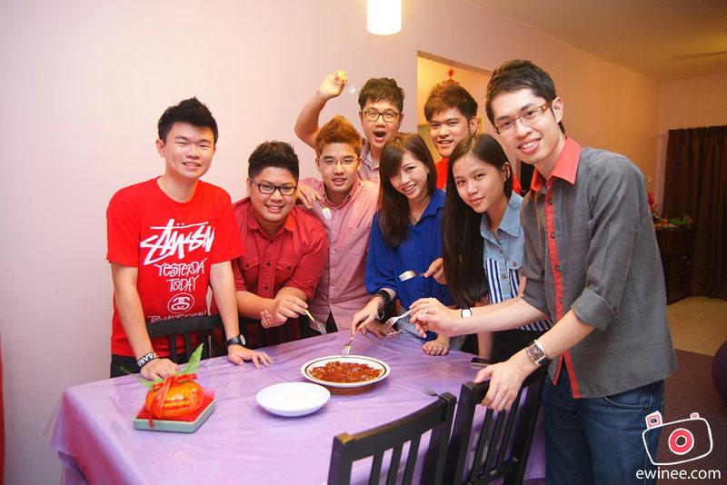 BLOGGERS-CNY-2013-VISIT-EWIN'S