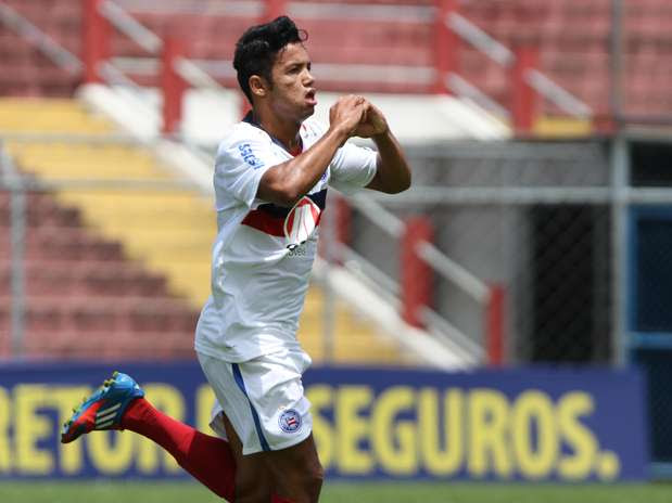 Railan comemora primeiro gol do Bahia no Nicolau Alayon Foto: Leandro Martins / Futura Press