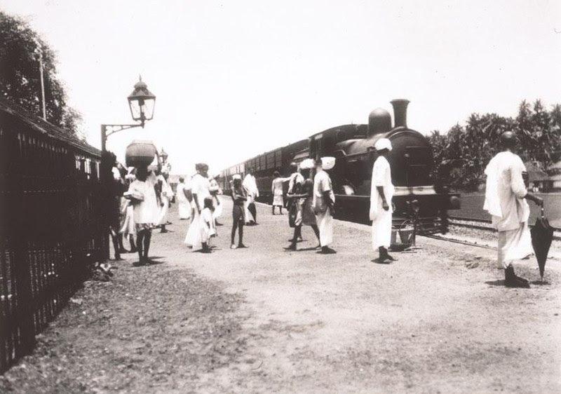 File:എടക്കുളം റെയിൽവേ സ്റ്റേഷൻ (1900).jpg