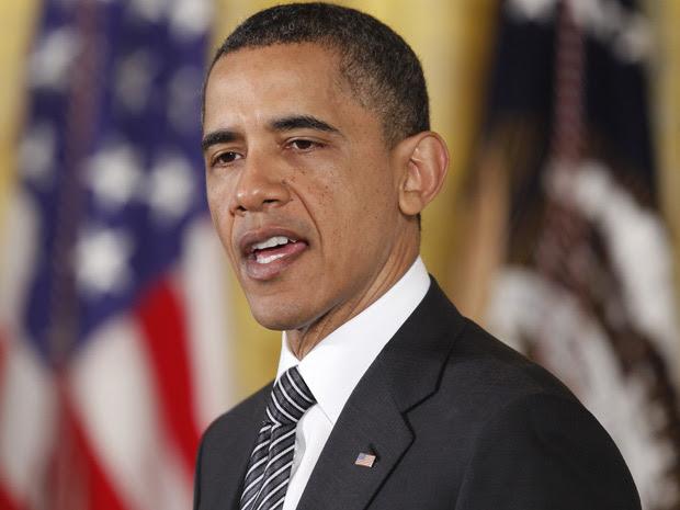 Obama discursa durante cerimônia de entrega de medalha a veteranos de guerra, nesta segunda (2) (Foto: Charles Dharapak / AP)