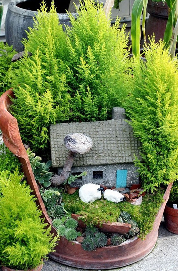broken-pot-fairy-garden-11