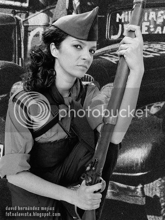 Fotografía realizada de una de las actrices integrantes del musical 36-39 de Alquimia Teatro, para su inclusión en el programa de mano