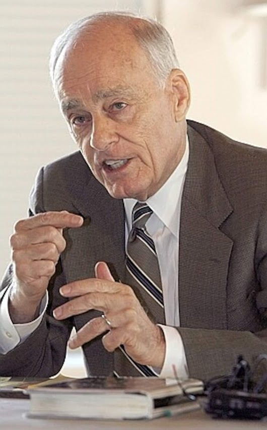 Vincent Bugliosi, Manson prosecutor and 'Helter Skelter' author, dies at 80