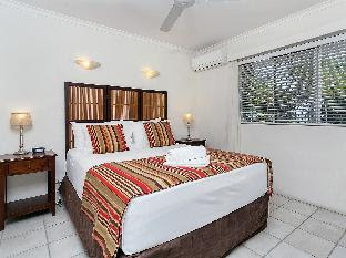 On Palm Cove Beachfront Apartments Cairns