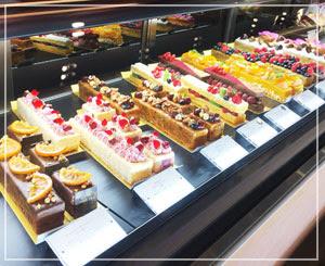 「Pavlov(パブロフ)」というお店のケーキ、とっても綺麗。