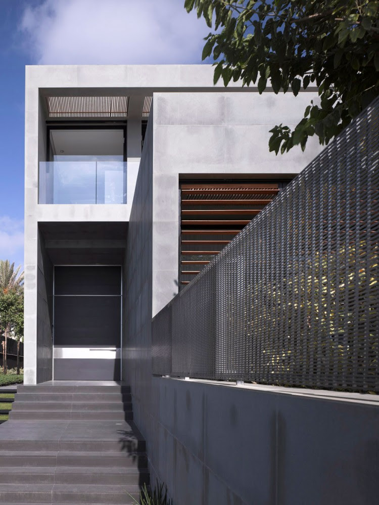 Modern Concrete Beach Home in Israel by Pitsou Kedem Architect ...