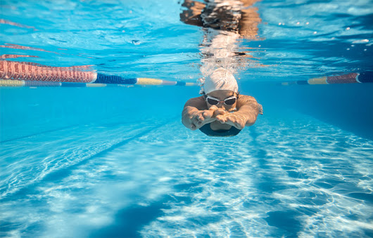 Swimming & Contact Lenses - Westside Eye Clinic