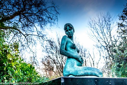 The Oscar Wilde Memorial In Merrion Square (Dublin) by infomatique