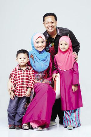 Gambar keluarga Dr. Tengku Asmadi