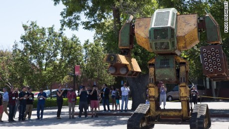 Giant robots prepare for hand-to-hand combat - CNN.com