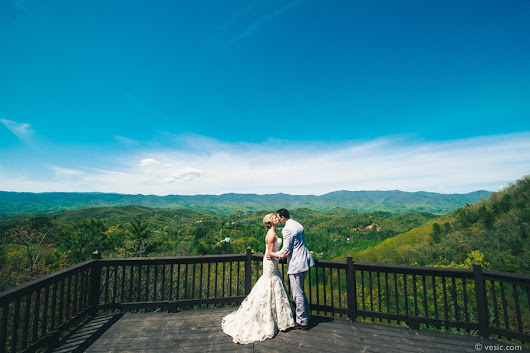 Destination Wedding North Carolina Mountains at Hawkesdene House
