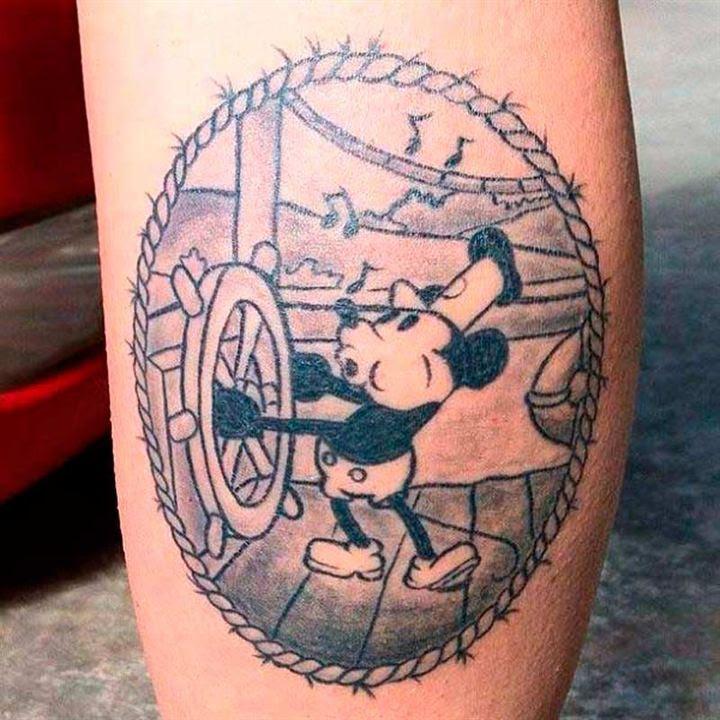 25 Tatuajes Con Los Personajes De Disney Y Pixar El Antiguo Mickey