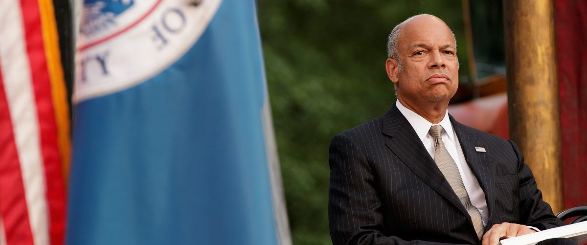 Jeh Johnson, Secretary of the U.S. Department of Homeland Security, waits to swear in immigrants during a naturalization ceremony in at the Delacorte Theater in Central Park, June 20, 2016 in New York City. Started by the United Nations in 2000, June 20 is World Refugee Day. (Photo by Drew Angerer/Getty Images)
