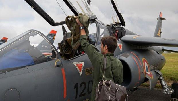 Aksi Fotografer REUTERS Motret dalam Pesawat Jet