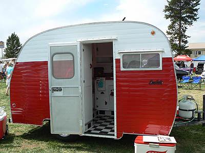 caravane rouge.jpg