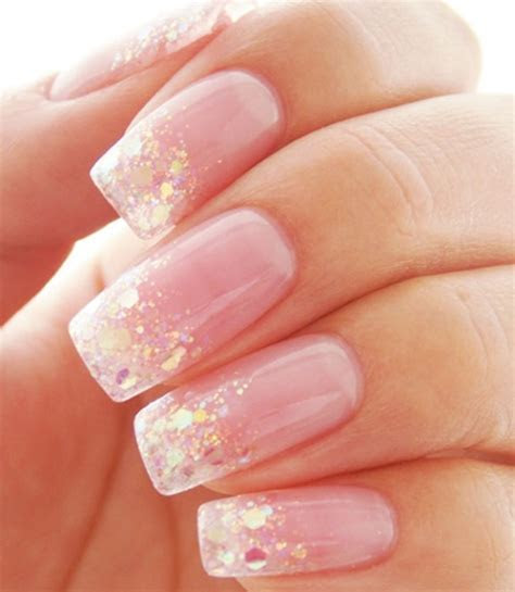 Chic peek ? beautiful festive nail art ideas ? LifeStuffs